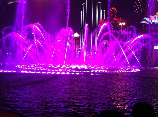 Wynn Macau: The Musical Fountain-3