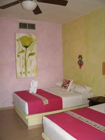 Hotel Casa de las Flores Playa del Carmen:                   Bedroom