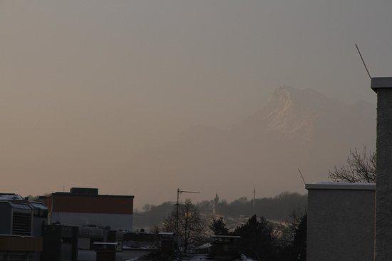 Parkhotel Brunauer:                   Dawn  over the Austrian Alps