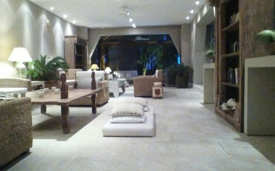 Hotel Jashita:                   The lobby, lobby chillout lounge