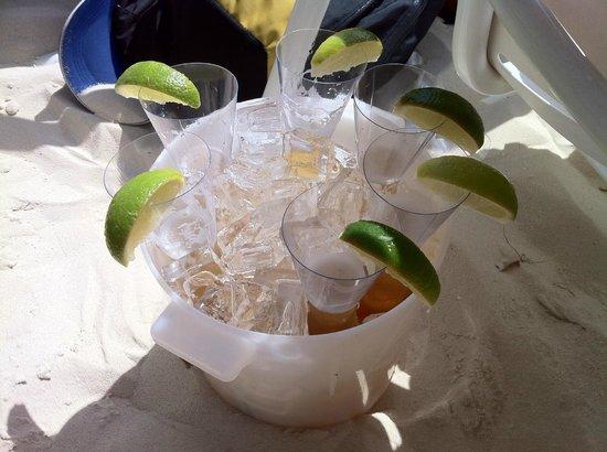 Castaway Cay: Bucket O' Coronas