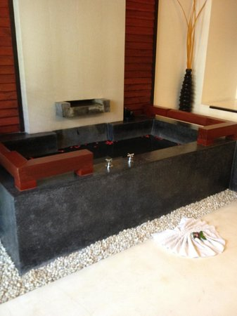 Kirikayan Boutique Resort :                   baignoire