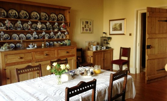 Claridges Farmhouse:                   Dining room