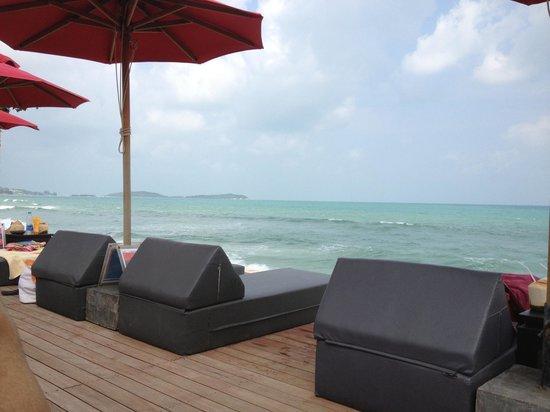 Kirikayan Boutique Resort :                   les bains de soleils piscine