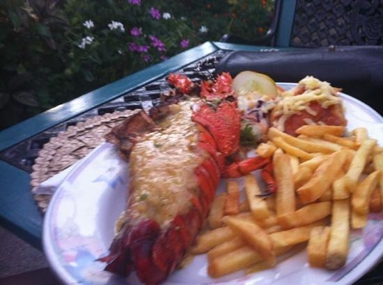 Le Cafe Fiji:                   garlic lobster