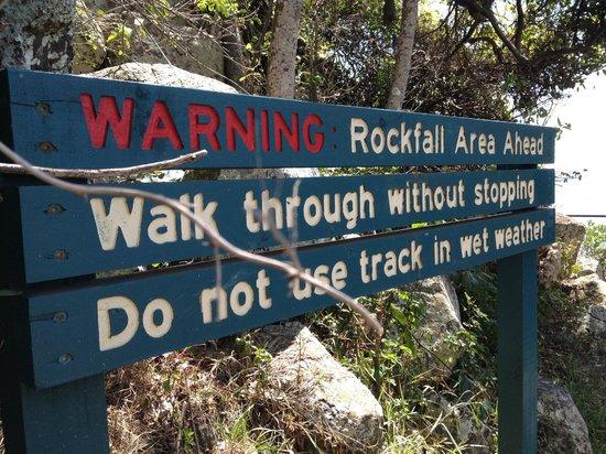 Burleigh Heads Beach : path way