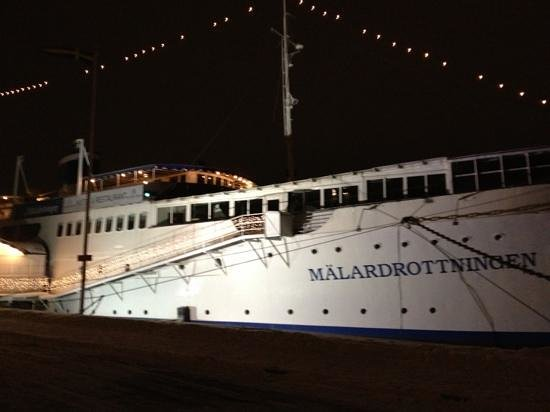 Malardrottningen Yacht Hotel and Restaurant:                   the hotel