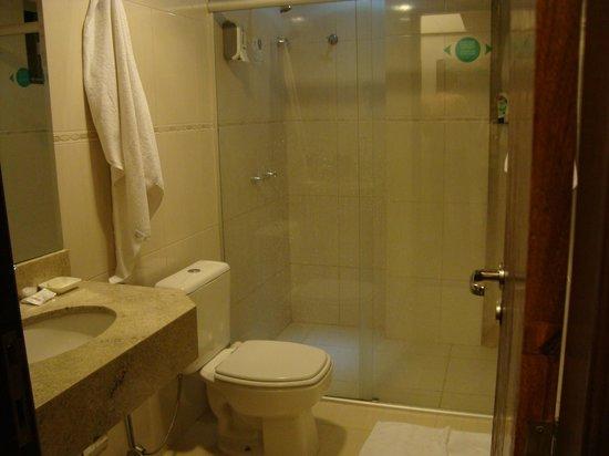 Del Rey Hotel:                   banheiro