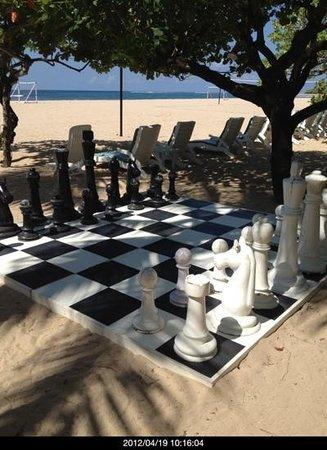 グランド ハイアット バリ,                   ホテルビーチ内のチェス