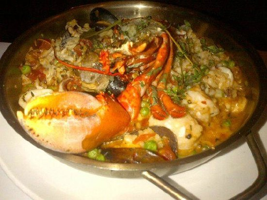 Fred's Not Here Restaurant:                   Paella