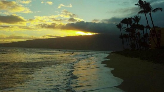 Kihei Sands Beachfront Condominiums:                   The beach :)