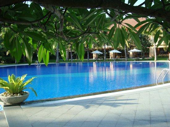 Vinpearl Luxury Nha Trang: The pool