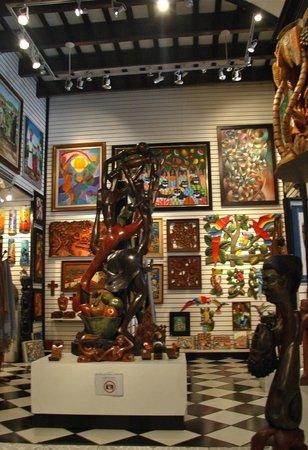 Haitian Gallery :                   Paintings and carvings