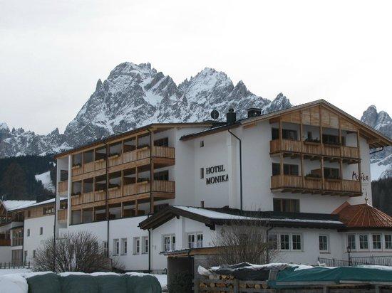 Hotel Monika: outside