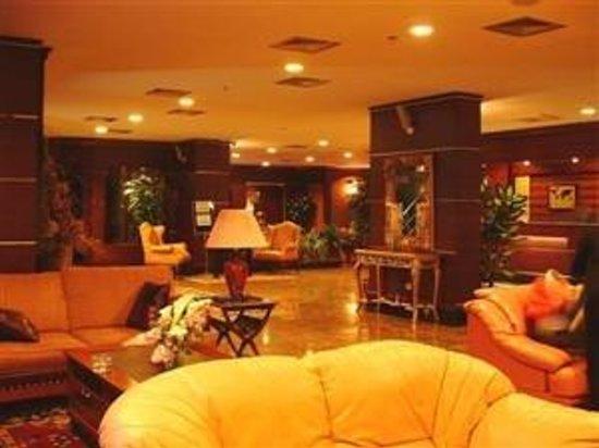 Lion Hotel: Lobby