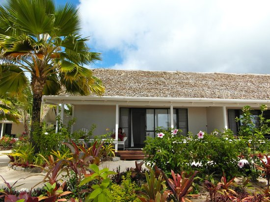 Manuia Beach Resort:                   Our Suit