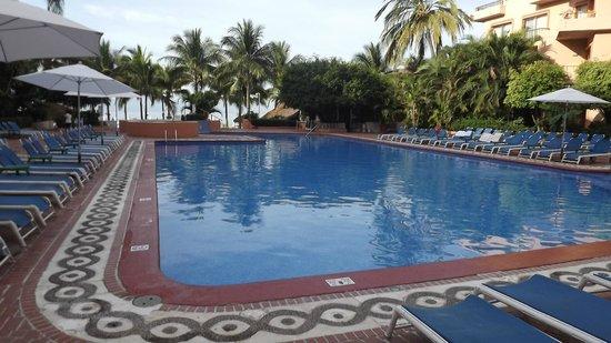 Friendly Vallarta All Inclusive Family Resort :                   piscine avec activités de friendly vallarta
