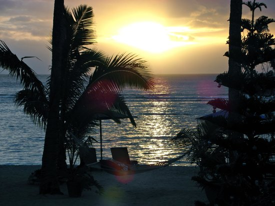 Manuia Beach Resort:                   sunset