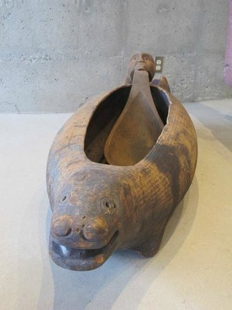 Museum of Anthropology: Feasting vessel...imagine!