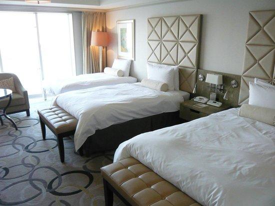 Hilton Tokyo Odaiba:                   ツインルーム