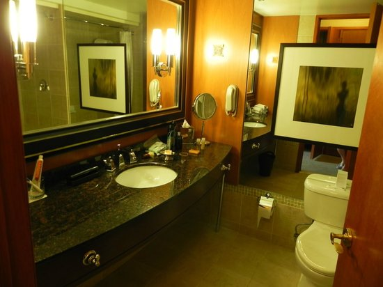 Hyatt Regency Century Plaza:                   Bathroom- ensuite
