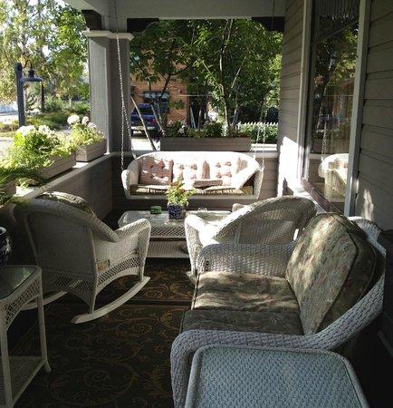 Alaska Heritage House :                   Front porch.