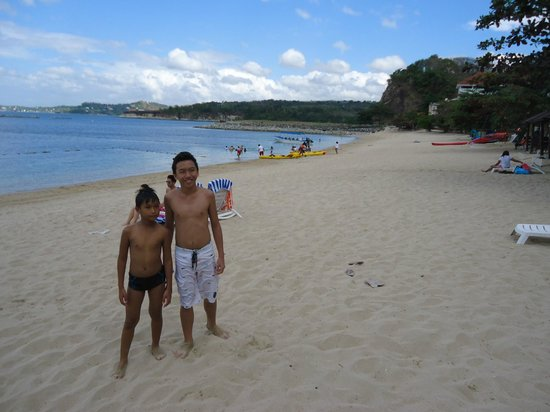 Canyon Cove Hotel & Spa:                   Beach to the North