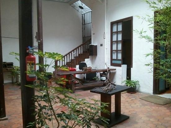 A Casa Naranja:                   courtyard