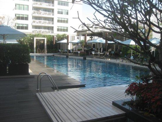 Sofitel Bangkok Sukhumvit:                   スイミングプール
