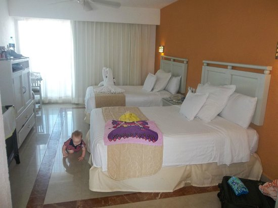 Occidental Costa Cancun :                   please excuse the luggage and baby :)