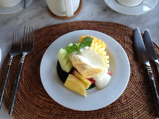 Villa Semana:                   Beautifully fresh fruit with yoghurt for breakfast