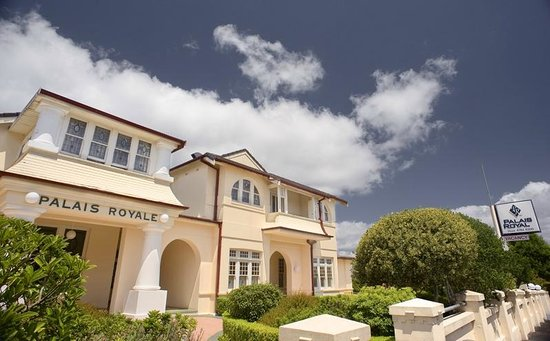 Palais Royale Blue Mountains: The Centrally Located Palais Royale