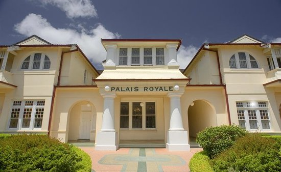 Palais Royale Blue Mountains: Palais Entry