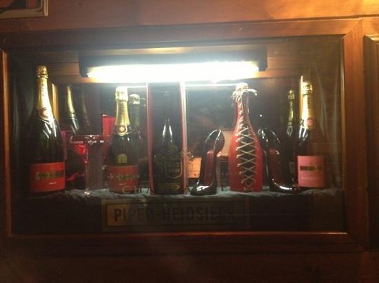 El Latino Loco :                   champagne
