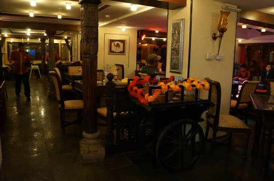Mumtaz Mahal Indian Speciality Restaurant: environment