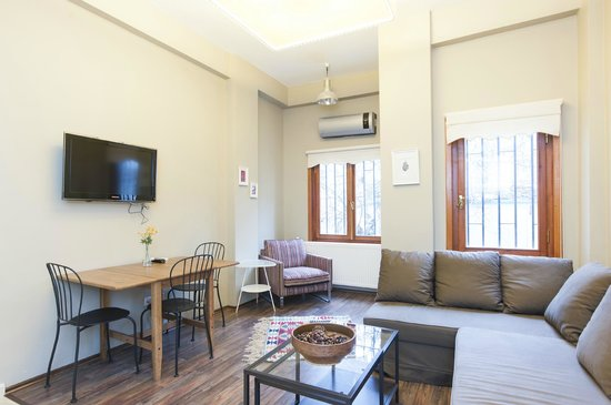 Akana Taksim Aparts: Living room of Akana Suite #2