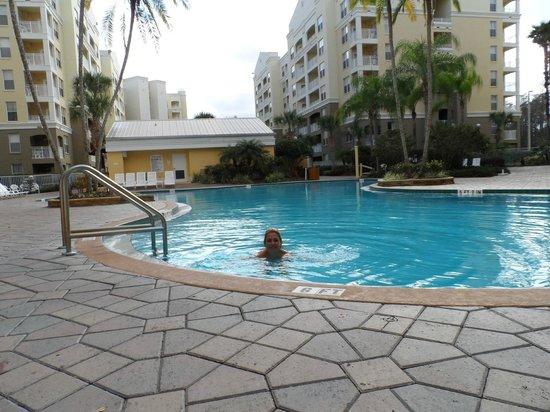 Vacation Village at Parkway:                                     ota toma de la piscina