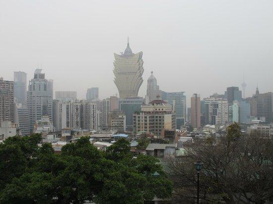 Macao Museum:                   Вид на казино Лисбон