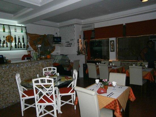 Kashmir Indian Restaurant: Kashmir new decor for 2013.