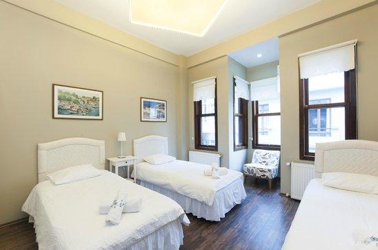 Akana Taksim Aparts: Bedroom of the Akana Suite flat #2