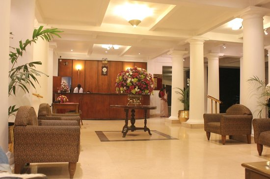 Hotel Suisse: Lobby & Reception