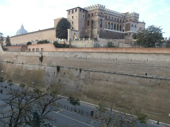 Le torri dei papi: View of the Pope's apartment taken from kitchenette window