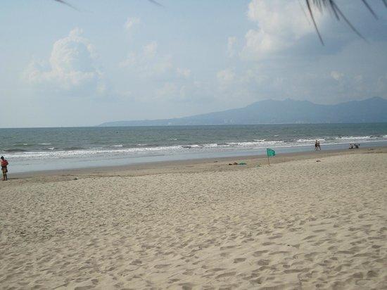 Nice flat beach walkable