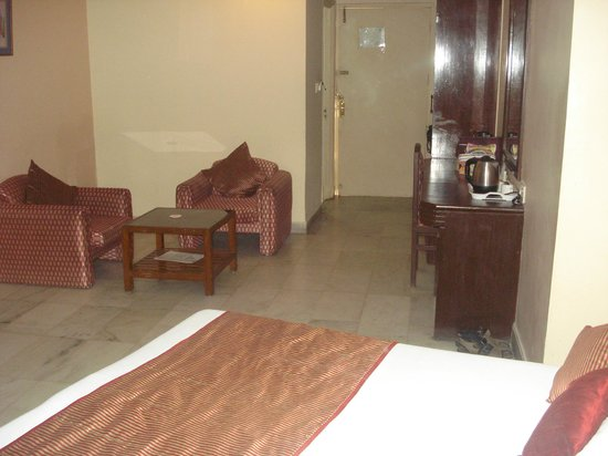 Hotel Vishnupriya:                   inside of another room