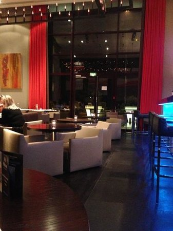 Riva Restaurant Bar & Lounge :                   salle