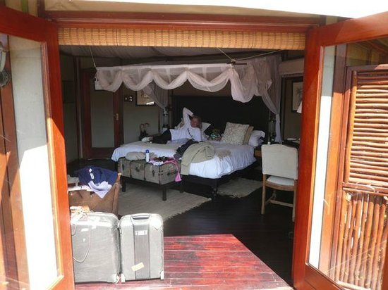 Hamiltons Tented Safari Camp: bedroom