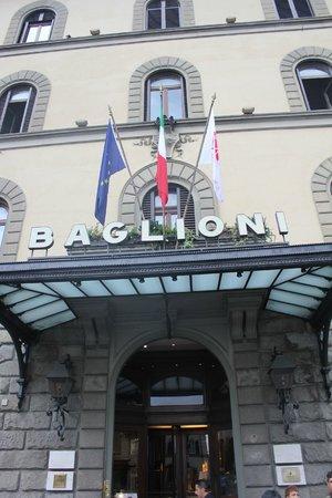 Grand Hotel Baglioni Firenze:                   ホテル入り口