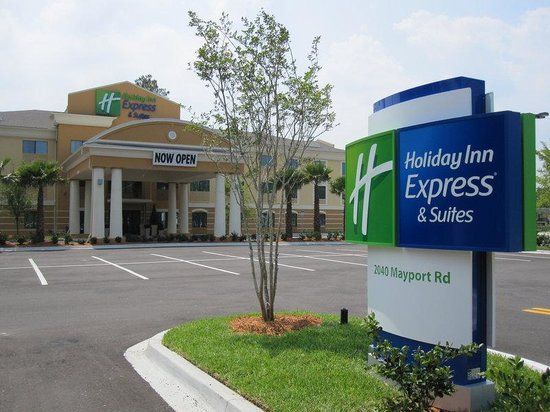 Holiday Inn Express Hotel & Suites Jacksonville - Mayport / Beach: Hotel Exterior