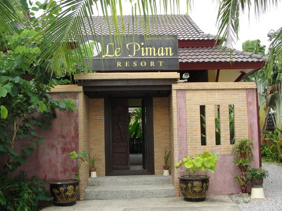 Le Piman Resort:                   Entrance