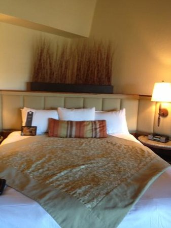 Rancho Bernardo Inn:                   king size bed